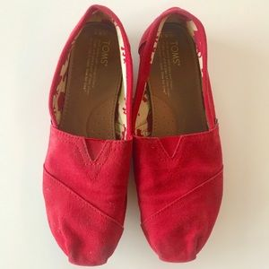 Red Toms Size 8.5